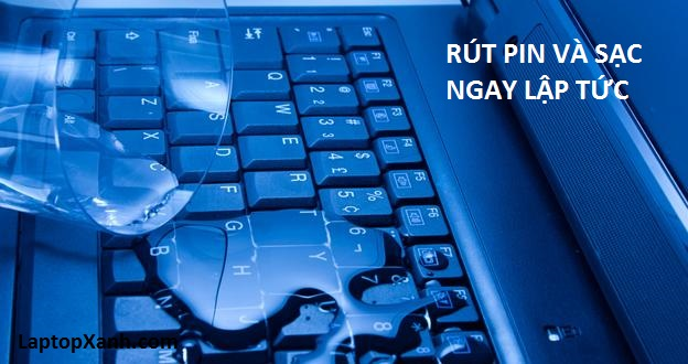 laptop-bi-rot-nuoc