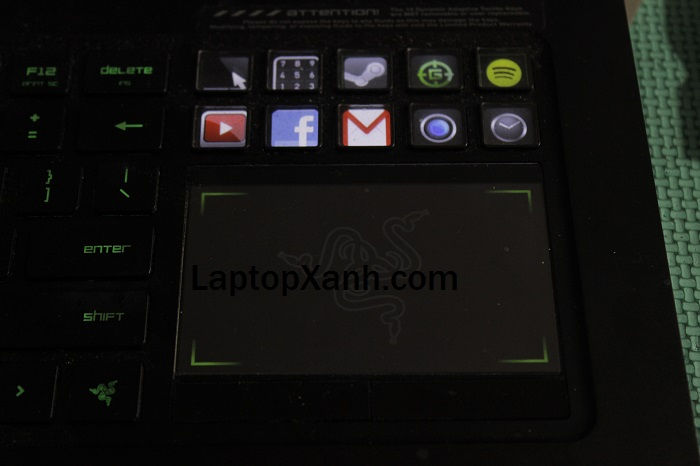 3-touchpad-laptop-razer-gaming