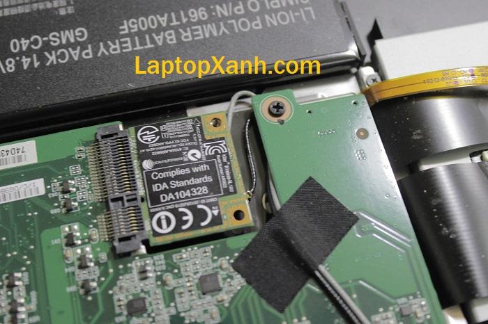 9-thao-may-laptop-razer