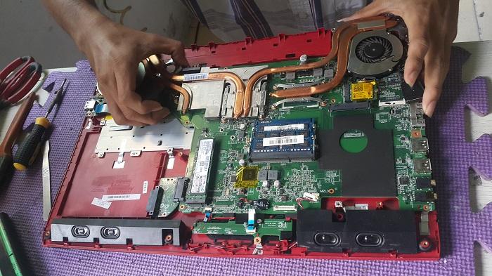 Vệ sinh laptop MSI Gamming chuyên nghiệp, giảm nhiệt độ, tăng tốc máy