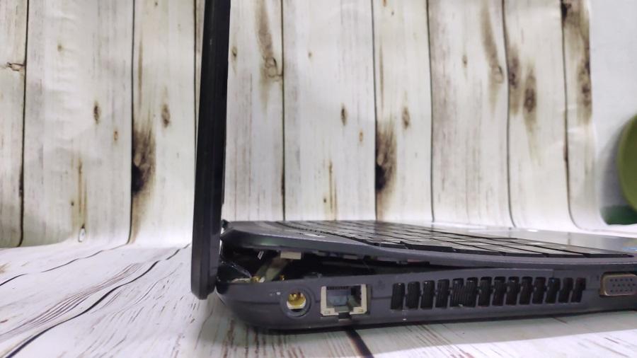 Sửa bản lề laptop Acer E1-431, E1-571 dứt điểm không bị lại.