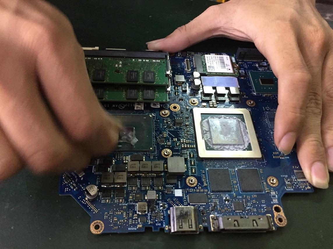 Địa Chỉ Vệ Sinh Laptop Uy Tín Tại TpHCM