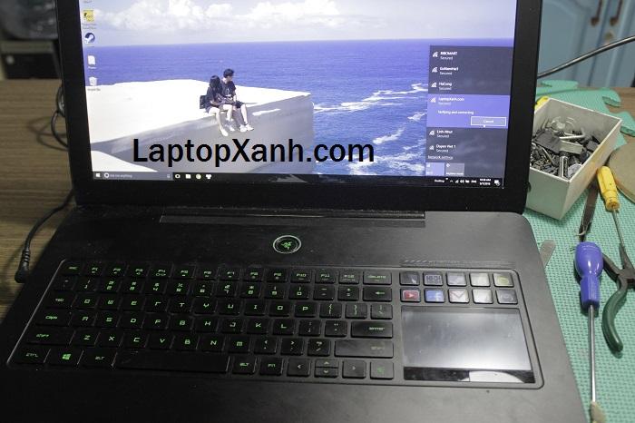 2-hinh-anh-laptop-razer-gaming-mat-truoc