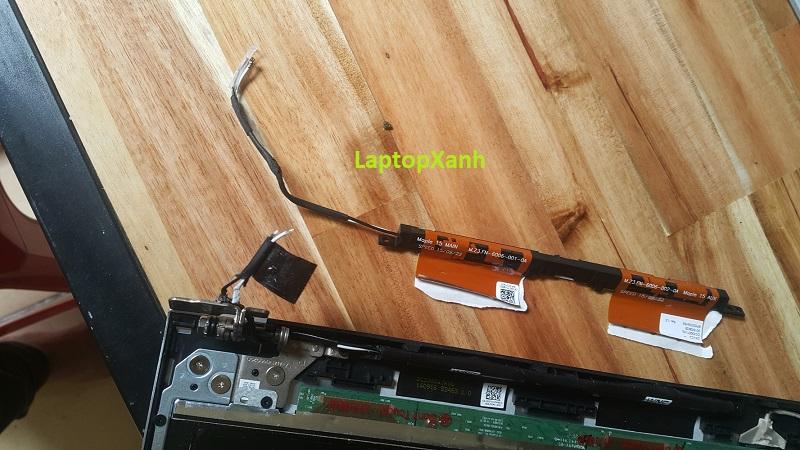 Bộ dâywifi + anten dell 5547 nối từ màn hình xuống.