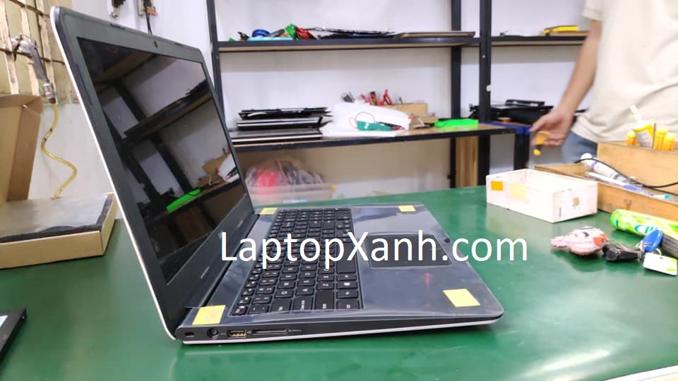 Laptop dell 5547 sau khi thay vỏ